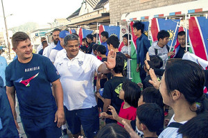 宮古市内でファンと交流したナミビア代表選手たち(提供・宮古市役所)