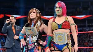 カイリ・セイン&アスカ(右)のカブキ・ウォリアーズ(C)2019 WWE, Inc. All Rights Reserved.