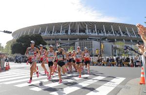 9月に行われたMGCで新国立競技場を背に力走した選手たち