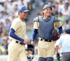 3年の夏、チームを甲子園準優勝に導いた奥川(左)と山瀬の星稜バッテリー
