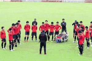 天皇杯準々決勝で鹿島に挑むホンダFCの選手たち