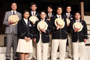 12月の最終回に向け、ラストスパートに入った阿部サダヲ(前列左から2人目)ら「いだてん」の出演者たち