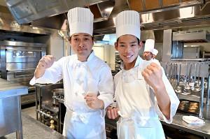 「グランメゾン東京」でドラマ初出演する、「かが屋」の加賀翔(右)と賀屋壮也(C)TBS