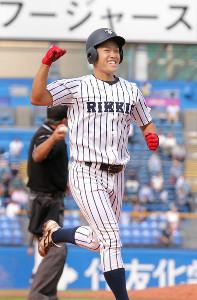 9回、代打同点弾を放った立大・柴田