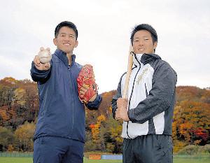 新天地で2年後のプロ入りを誓った(左から)渕上、生田目