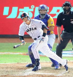 5回1死満塁、鈴木誠也が中前適時打