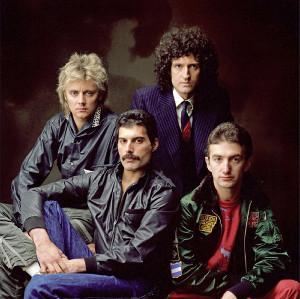 クイーンの(左から)ロジャー・テイラー、フレディ・マーキュリー、ブライアン・メイ、ジョン・ディーコン