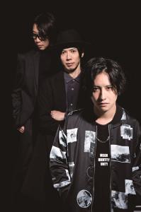 17日から再始動する第5期のWANDS。(左から)キーボード・木村真也、ギター・柴崎浩、新ボーカルの上原大史