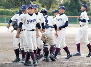 2戦連続コールド&完封勝ちで準決勝進出を決めた大阪東ナイン