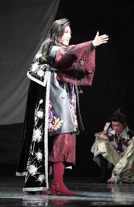 兵庫・宝塚大劇場で初日を迎えた宙組公演「エル ハポン」の一場面。仙台からイスパニアに渡る蒲田治道(真風涼帆)