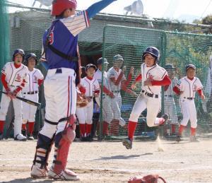 3回1死二塁、奈良葛城・西田の適時打で二塁走者の岡部が生還し一矢を報いた