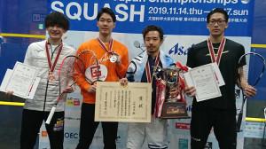 左から3位の机龍之介、準優勝の遠藤共峻、優勝の小林僚生、3位の鈴木優希