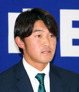 ナゴヤ球場で契約更改した武田
