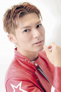 本紙インタビューに答えるEXILE SHOKICHI(カメラ・小泉 洋樹)