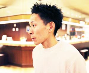 福岡国際マラソンから一夜明け、取材に応じる市田孝