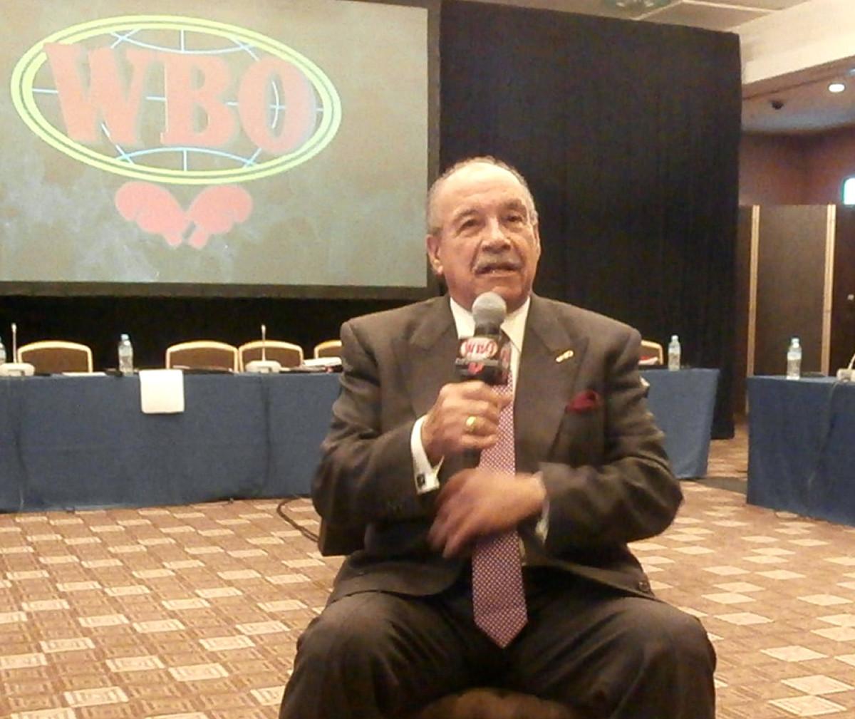 WBO総会で来日し、記者会見するフランシスコ・バルカルセル会長