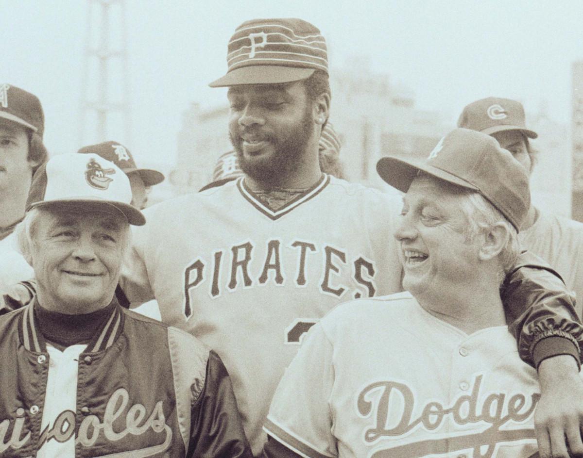 1979年来日したときのパーカー(中央)。左はオリオールズ・ウィーバー監督、右はドジャース・ラソーダ監督