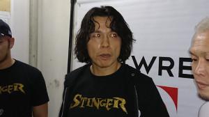 挑戦を表明した小川良成