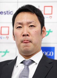 契約更改交渉を終えて会見した増田達至