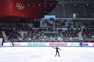 トリノ五輪の舞台だったパラベラで練習する羽生結弦(カメラ・矢口 亨)
