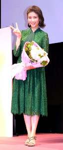 「第10回国民的美魔女コンテスト」に出席した橋本マナミ