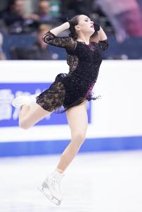 女子SPで演技するアリーナ・ザギトワ(カメラ・矢口 亨)