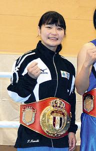 笑顔で写真撮影に応じる東京五輪予選代表の並木月海