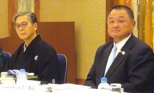 日本相撲協会の有識者会議に出席した全日本柔道連盟・山下会長(右)と中井弁護士(カメラ・小沼春彦)