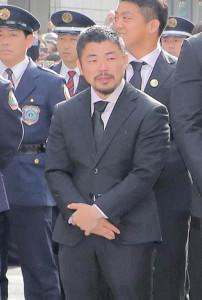 パレード出発前から涙を流す田中史朗