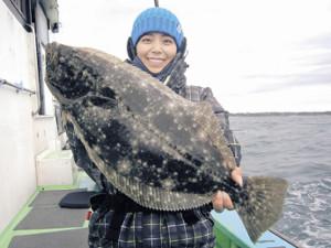 みらいちゃんが釣り上げた1.2キロのヒラメ(植田丸で)