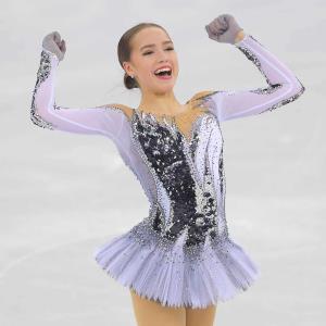 平昌五輪フィギュアスケート女子SPで演技を終えたザギトワ