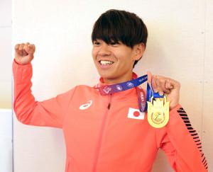 アジアマラソン選手権で優勝し、帰国した神野大地