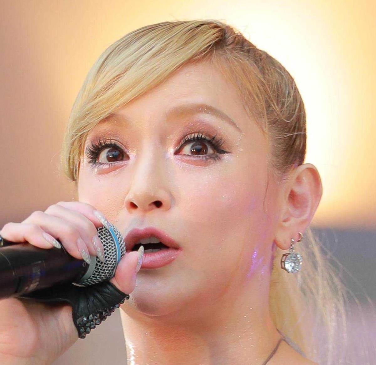浜崎あゆみが昨年末に出産「天使を産みママになりました」ファン