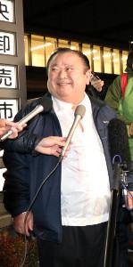初セリでマグロを落札した木村清社長(カメラ・奥津 友希乃)