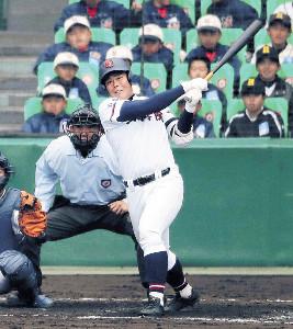 昨年3月のセンバツ1回戦(対札幌第一)で2本の本塁打を放った山梨学院・野村
