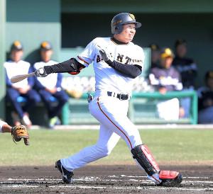 川相氏が「対応力」を評価する山下。昨季のイースタン首位打者