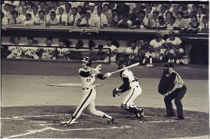 1976年の巨人戦で田淵幸一が豪快なアーチ