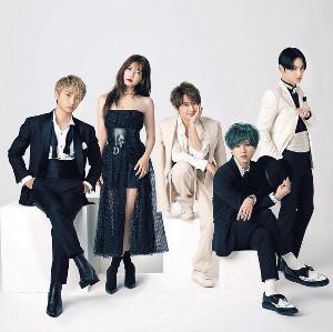活動休止を発表したAAAの(左から)與真司郎、宇野実彩子、西島隆弘、末吉秀太、日高光啓