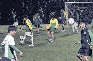新人戦に向けて練習を開始した静岡学園の新チーム