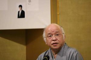 15日の直木賞選考会後に選考委員代表として会見した浅田次郎さん