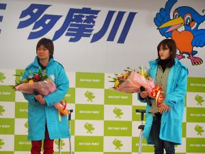 トークショーを行った平田さやか(左)と生田波美音