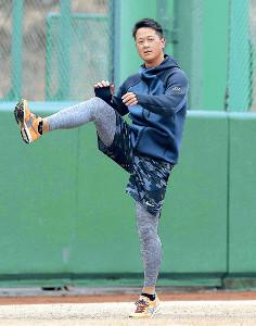 キャンプの投手キャプテン候補に名前が挙がった中川(カメラ・中島 傑)