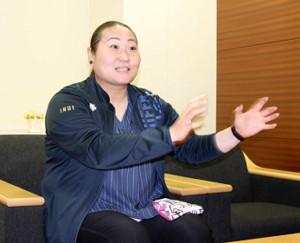 日本球界初の女性スカウトとして意気込みを語ったオリックス・乾絵美スカウト