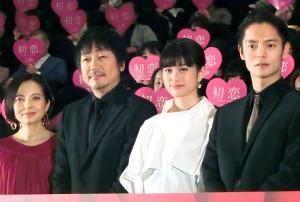 映画「初恋」ジャパンプレミアに参加した(左から)ベッキー、大森南朋、小西桜子、窪田正孝