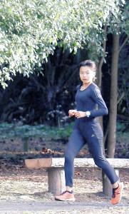 全国中学生クロカンで連覇を狙う細谷(カメラ・塩沢 武士)