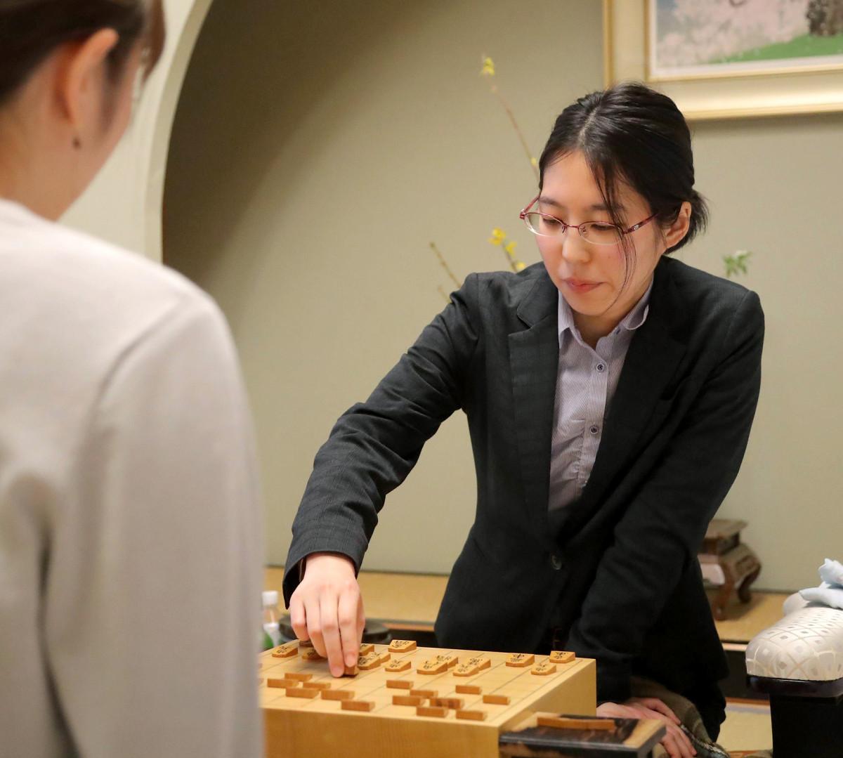 3連勝でタイトルを防衛した里見香奈女流名人