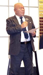 就任あいさつを行う神奈川大学野球連盟・佐々木理事長