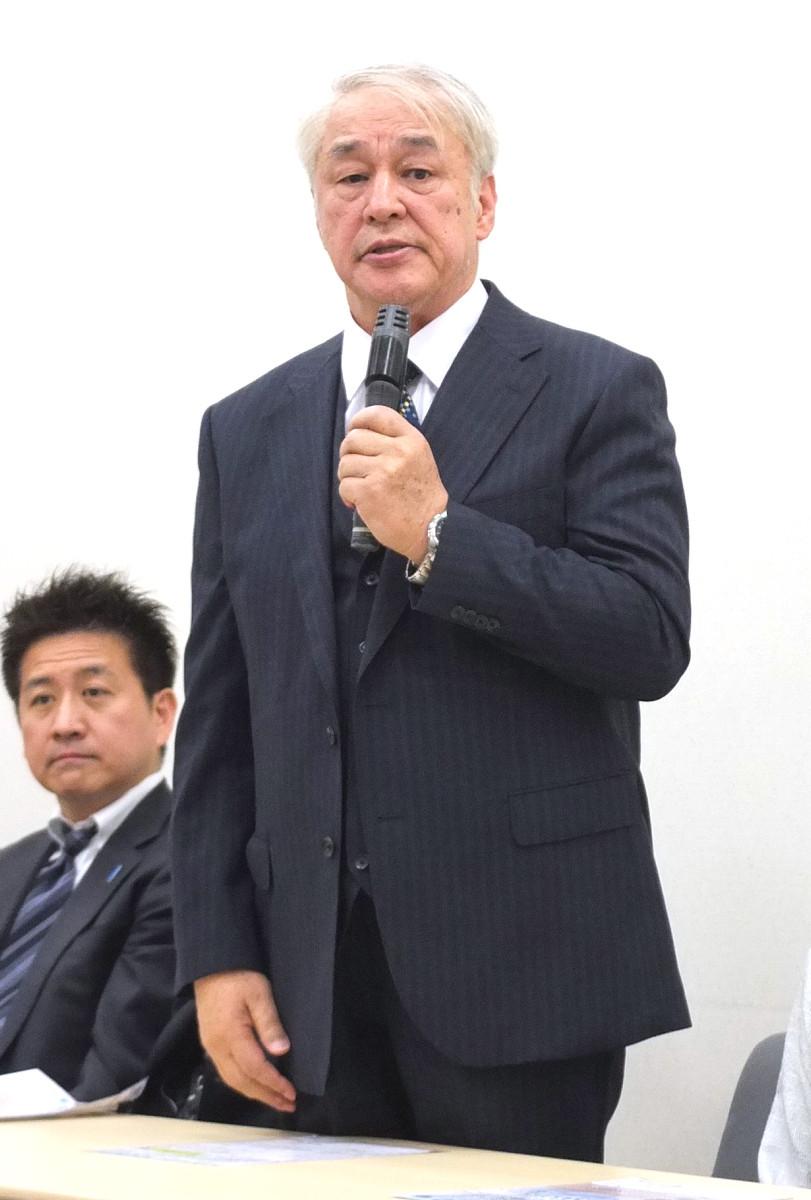 映画「めぐみへの誓い」で横田滋さんを演じる原田大二郎