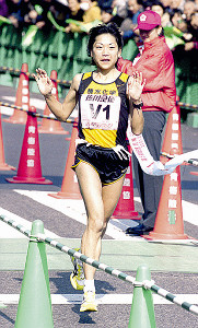 2001年青梅マラソン一般30キロで優勝した高橋尚子