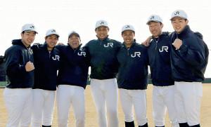 JR東日本東北の入社内定選手。左から坪倉、前田、寺沢、坂田、若林、矢野目、冨田